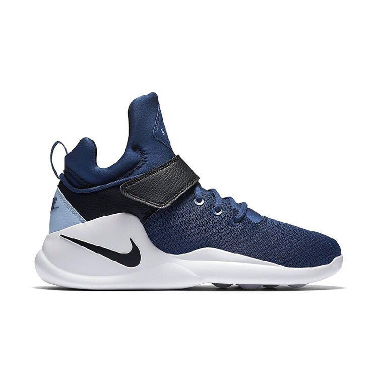 Buy NIKE KWAZI ACTION MEN S WOMEN S Sneaker Black and white RUNNING ... a268fe406