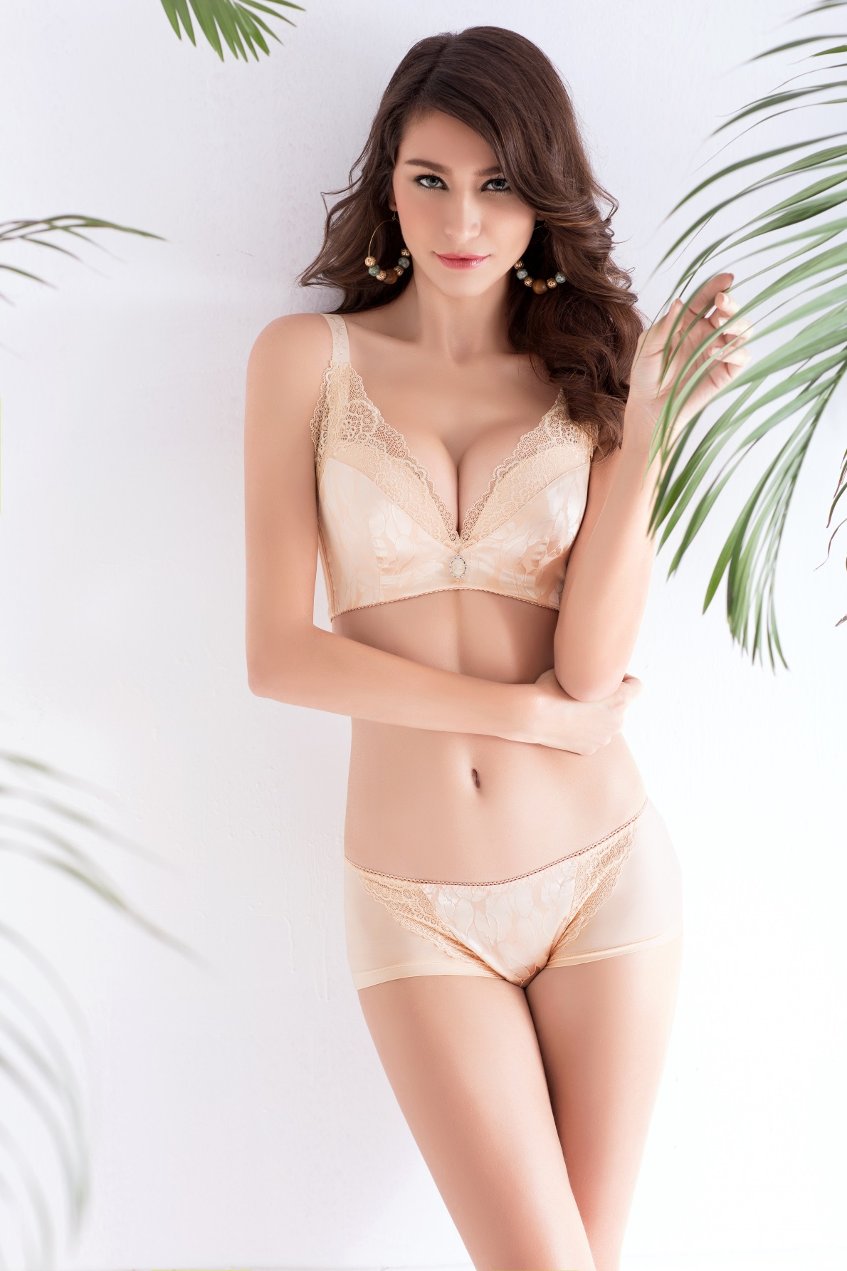 f081be7597393 Europe Girl sexy lace bra set gather adjustable underwear sets for women B  C Cup