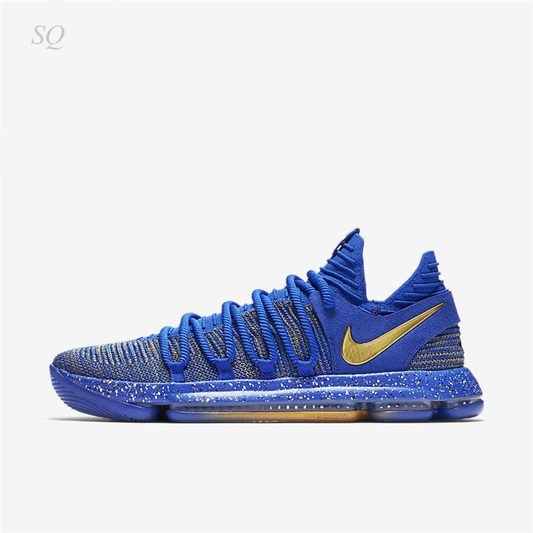 outlet store 7bc49 2486c ... a decorative paint splattered midsole and icy blue outsole sitting  directly beneath. The side panel Swoosh laid out in metallic gold — surely  represents ...
