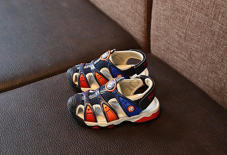 5dd69d26d719 Buy New Boy Sandals Children s Beach Shoes Korean Non-slip Soft ...
